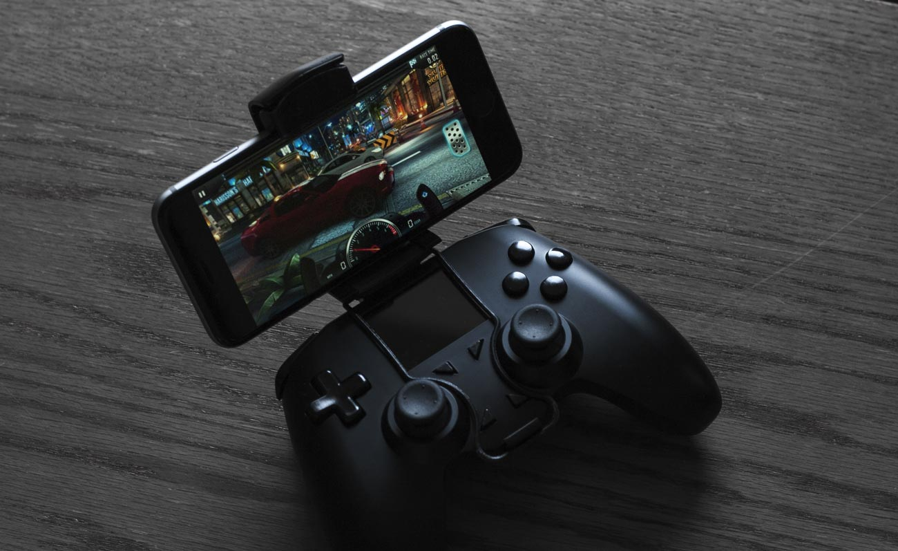 secure phone mount take the all controller with you while you play - can you play fortnite with controller on mobile